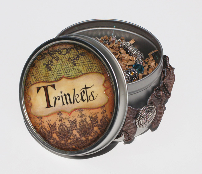 Duetica Trinkets Tin Opened with Gift Inside